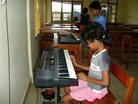 Music Class - Oct. 8th, 2009